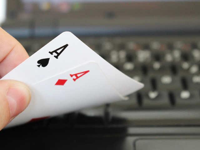 オンラインポーカーゲーム