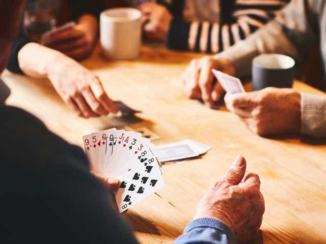 オンラインポーカーゲーム!