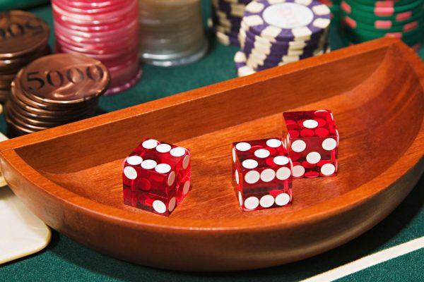 ゲームやギャンブルがストレスに打ち勝つことができるのはなぜですか?